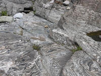 天然記念物の結晶片岩