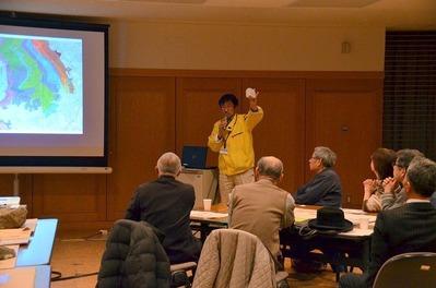 山下さんによる丹沢の地質解説