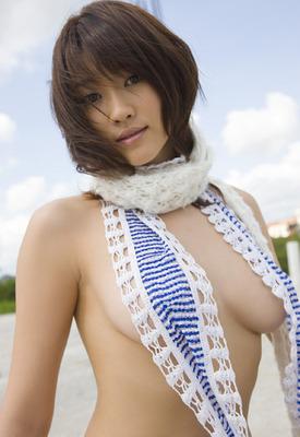 いい女の横乳・ハミ乳・下乳画像ください!