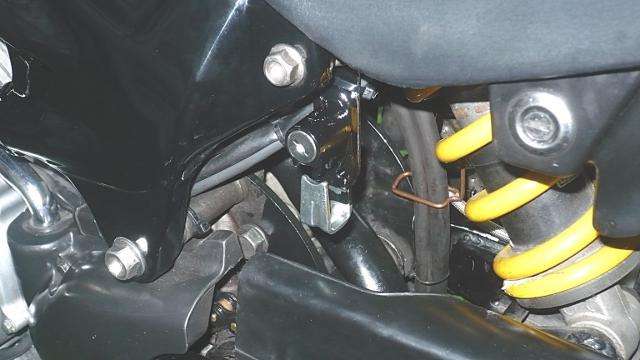 クライゼルへ ようこそ : VTR250にも、ヘルメットホルダー取付 ...