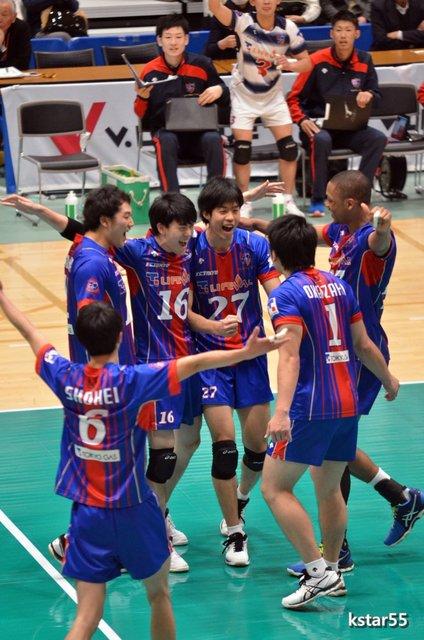 FC東京 : おれとバレー