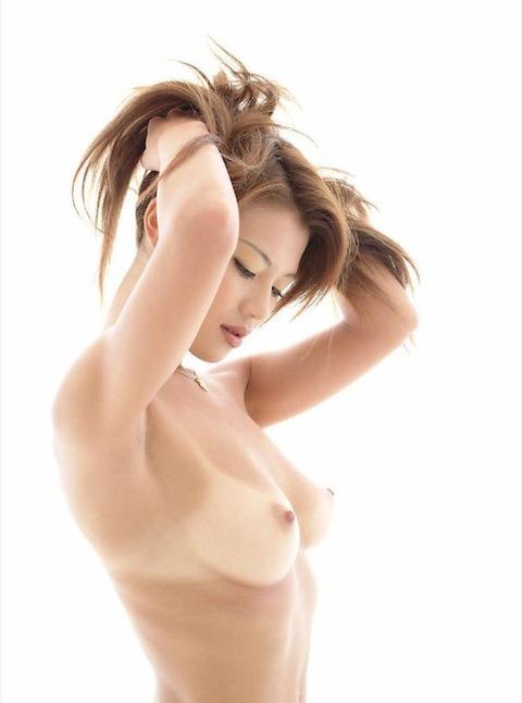 jp_avinfolie_imgs_b_c_bc9ace89