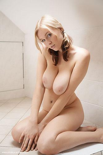 jp_avinfolie_imgs_c_a_ca8cad49