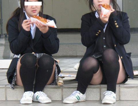 com_imgs_futomomo_fetisoku0545