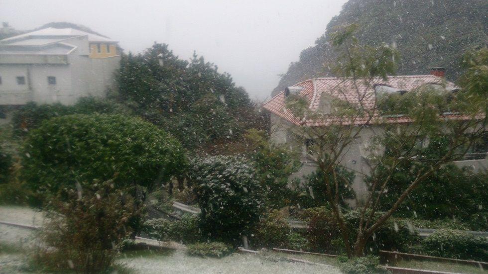 披露山の雪景色