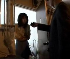 電気料金徴収先で女性に強制わいせつ 関電社員を逮捕