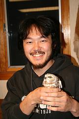 野生のフクロウの生体捕獲や扱いを学ぶワークショップにて