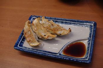 横浜ベイクォーターにあるラーメン店「我流風」の餃子