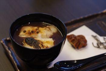 横浜元町にある和菓子屋「香炉庵」のぜんざい
