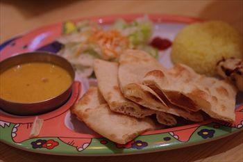 横浜にあるインドカレー食べ放題のお店「マントラ」のカレー