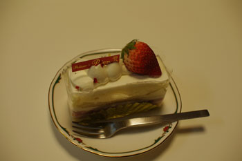 横浜大倉山のケーキショップ「パティスリー ピオン」のケーキ