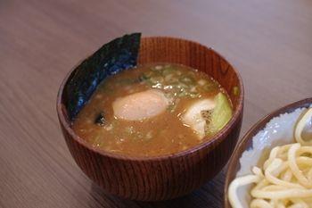 横浜東山田にあるつけ麺専門店「あびすけ」のつけだれ