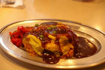 横浜野毛の老舗洋食屋「センターグリル」の特製オムライス