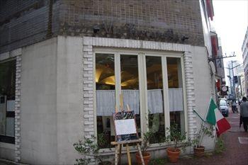 横浜関内にあるイタリアン「ヴィア トスカネッラ」の外観