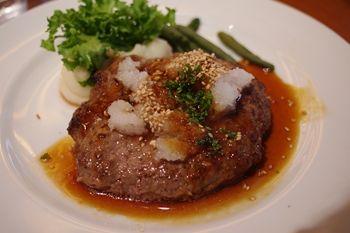横浜東神奈川にあるダイニングバー「KUBOTA食堂」のランチ