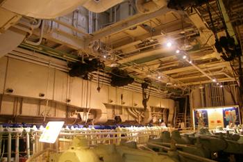 横浜山下公園の氷川丸の機関室