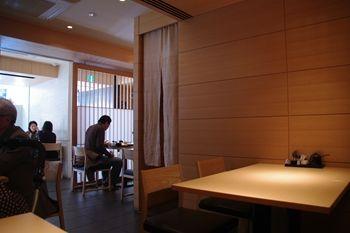 横浜鶴見にあるとんかつ屋さん「むら井」の店内