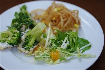 横浜センター北にあるステーキ専門店「キッコリー」のサラダ