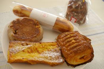新横浜のおいしいパン屋「シャン ド ブレ」のパン