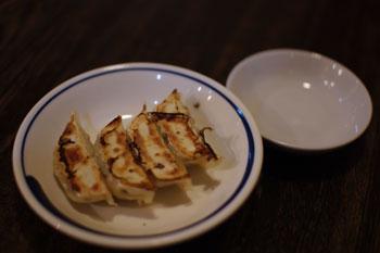 新横浜のラーメン店「横濱ハイハイ樓」の餃子