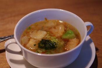 横浜青葉台にある「ハンバーグファクトリー」のスープ