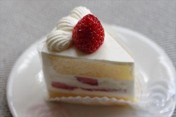 石川町にある洋菓子店「パティスリー・レ・ビアン・エメ 」のケーキ