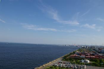 横浜本牧埠頭のシンボルタワーからの眺め