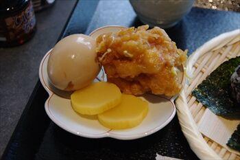 新横浜にあるおにぎり専門店「おにぎりカフェ うめ乃」の副菜