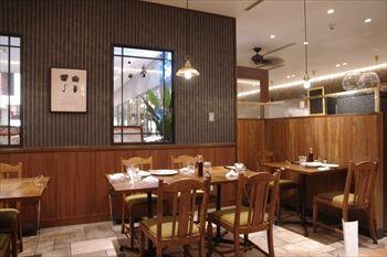 新横浜にあるステーキ専門店「ゴッチーズビーフ」の店内