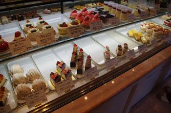 横浜仲町台のケーキ屋「パティスリー シュクレ」の店内