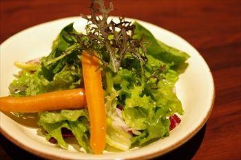 横浜センター北にあるレストラン「ラ・メゾン」のサラダ