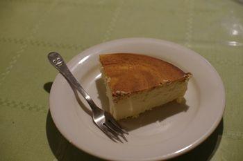 葉山にあるチーズケーキのお店「コモンベベ」のチーズケーキ