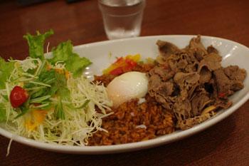 新横浜にある洋食屋「洋食 横濱たちばな亭」のハヤシライス