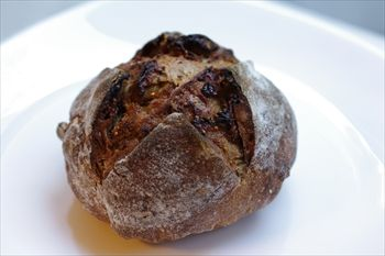 横浜妙蓮寺にあるパン屋「デューカディカマストラ」のパン