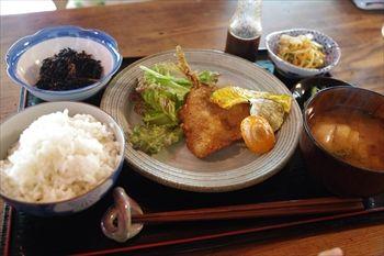 横浜妙蓮寺にあるカフェ「HUG CAFE」のランチ