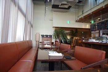 横浜センター北にあるステーキ専門店「キッコリー」の店内