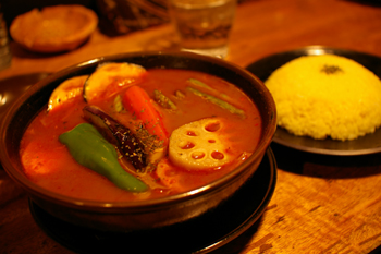 横浜関内の「Asian Bar RAMAI(ラマイ)」のチキンカレー