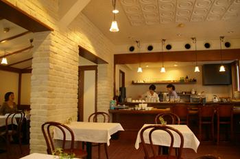 横浜開港資料館のカフェ「Au jardin de Perry」の店内