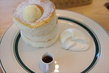 横浜センター北にあるパンケーキ専門店「グラム」のパンケーキ