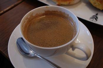 横浜桜木町にあるパン屋さん「ブレドール」のコーヒー