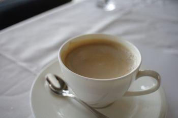 逗子マリーナにあるイタリアン「グランブルー・オチアイ」のコーヒー