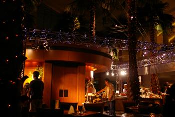 パンパシフィック横浜のブッフェレストラン「カフェトスカ」店内