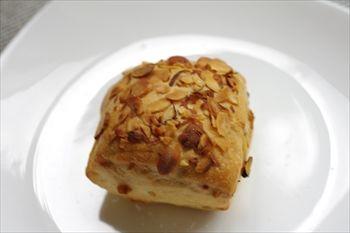 横浜市青葉区にあるパン屋「ブーランジェリー ラ・ウフ」のパン