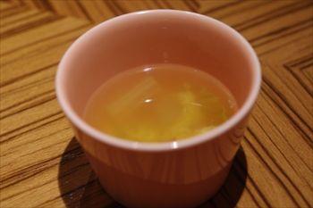 新横浜にあるカフェ「モクオラディキシーダイナー」のスープ