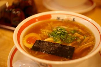 横浜ポルタのラーメン店「ちばき屋」の中華そば