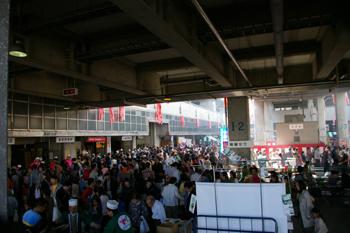 横浜市場まつり場内