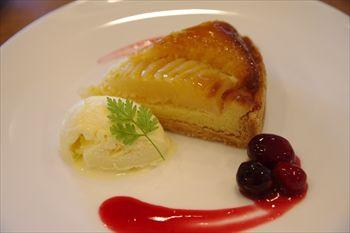 横浜東神奈川にあるパン屋「パンドウー(Pain de U)」のケーキ