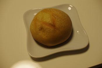 新横浜の紅茶専門店「ティールーム アールロウズ」のメロンパン