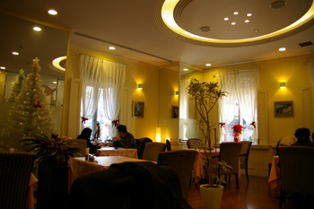 横浜馬車道のレストラン「相生 本店」の店内