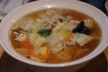 横浜センター南にある「ウミガメ食堂」のワンタン麺